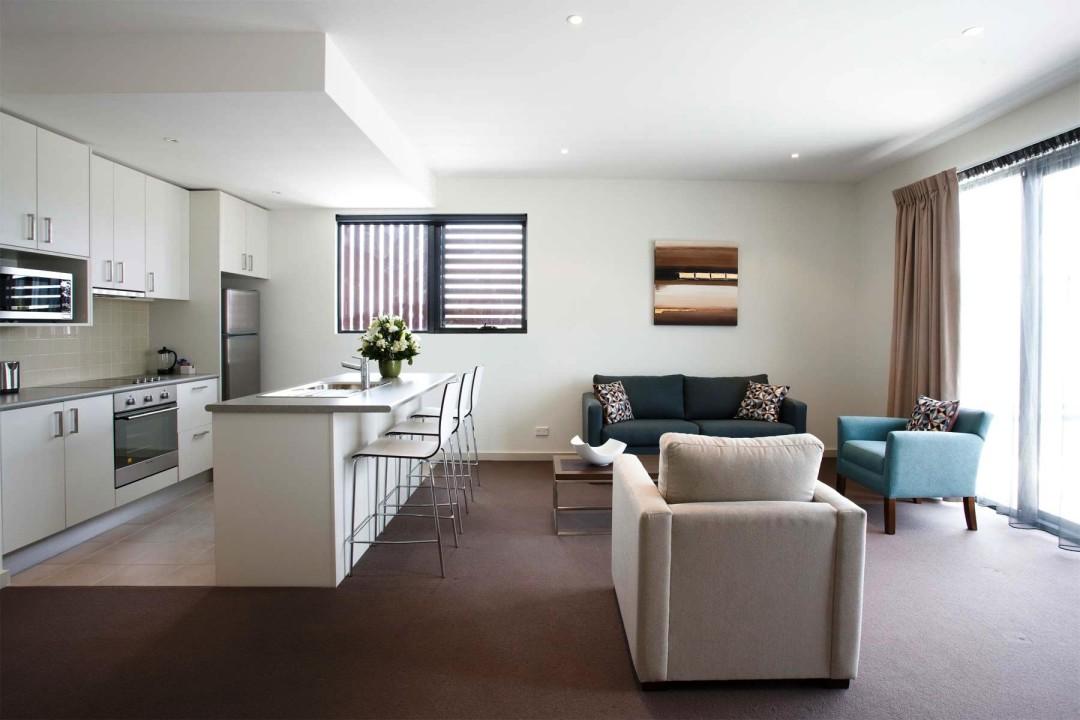 spojení kuchyně s obývacím pokojem